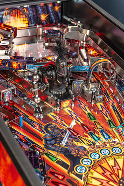 Black-Knight-Premium-Pinball-Machine-05.