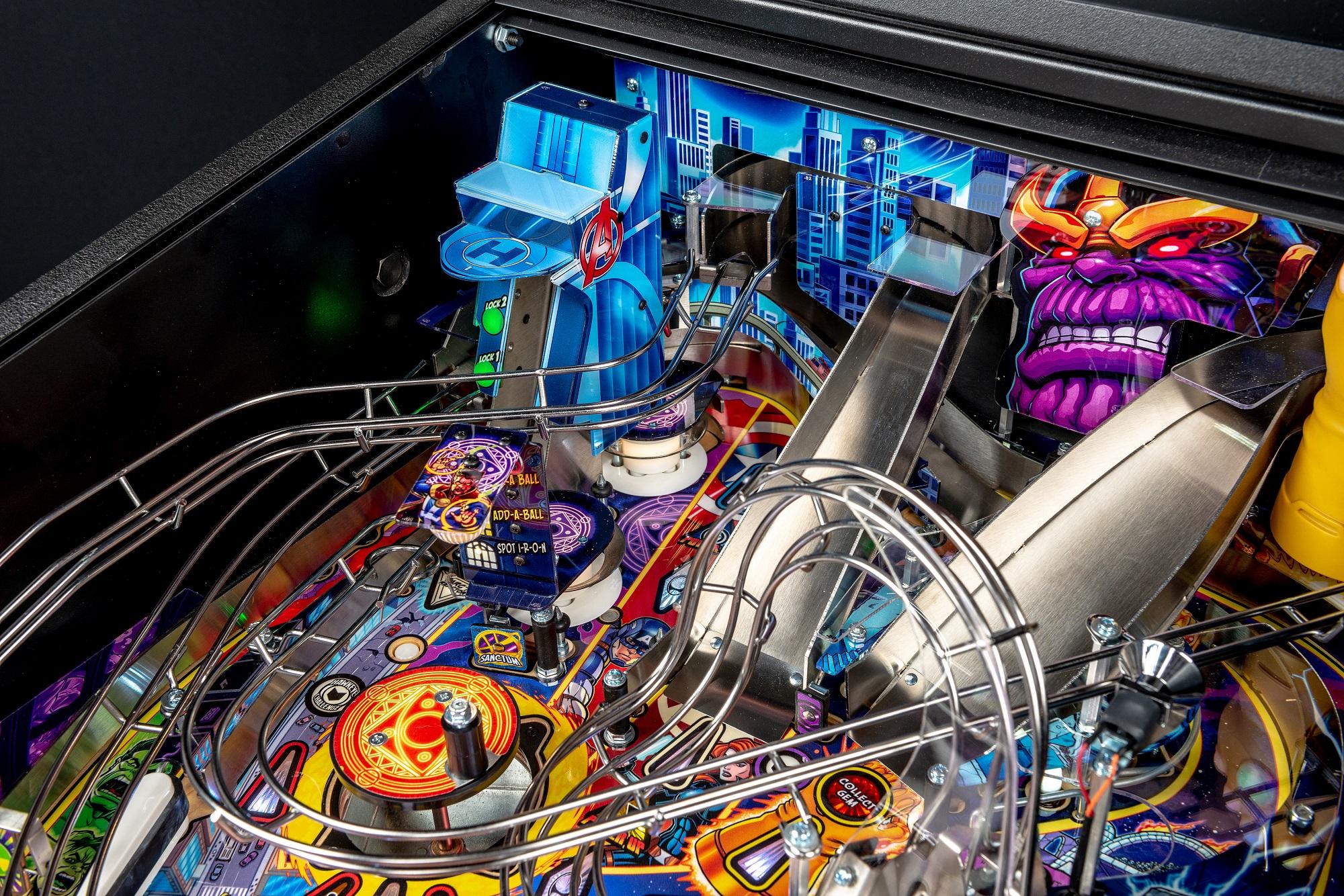 Avengers-Premium-Details-Strobe-13_Low R