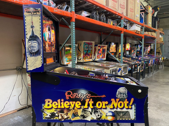Ripleys 04 Pinball Machine.jpg