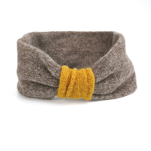 EarCosy in warm grey/camel and gold