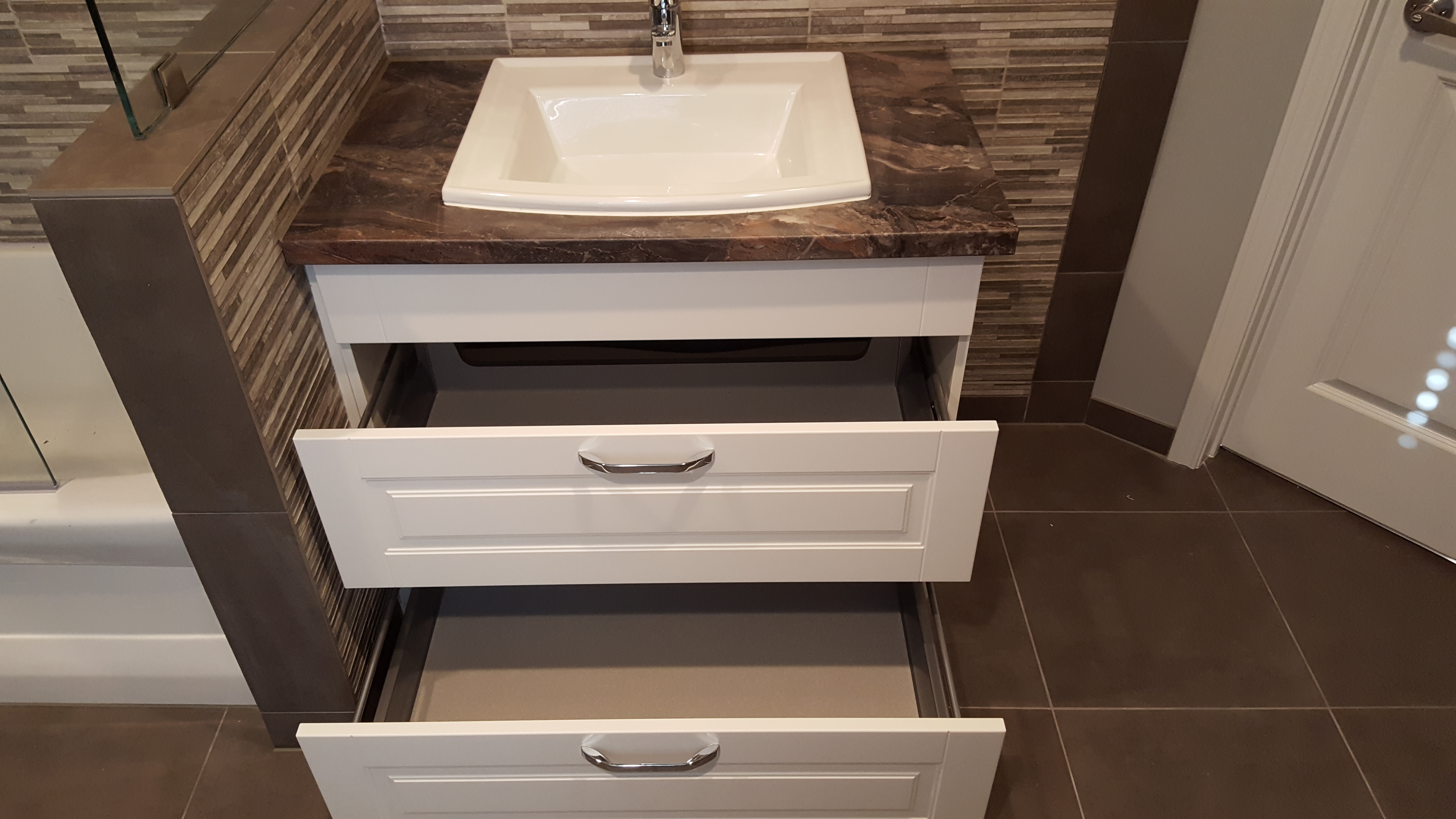 MODERN BATHROOM CABINETS IN HOUSTON
