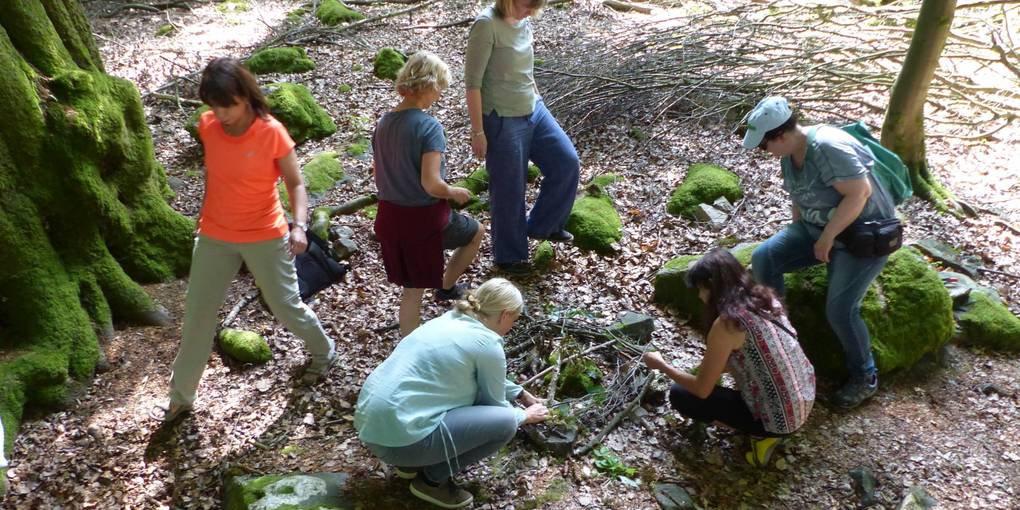 NATUR ATELIER Waldbaden mit Frauen