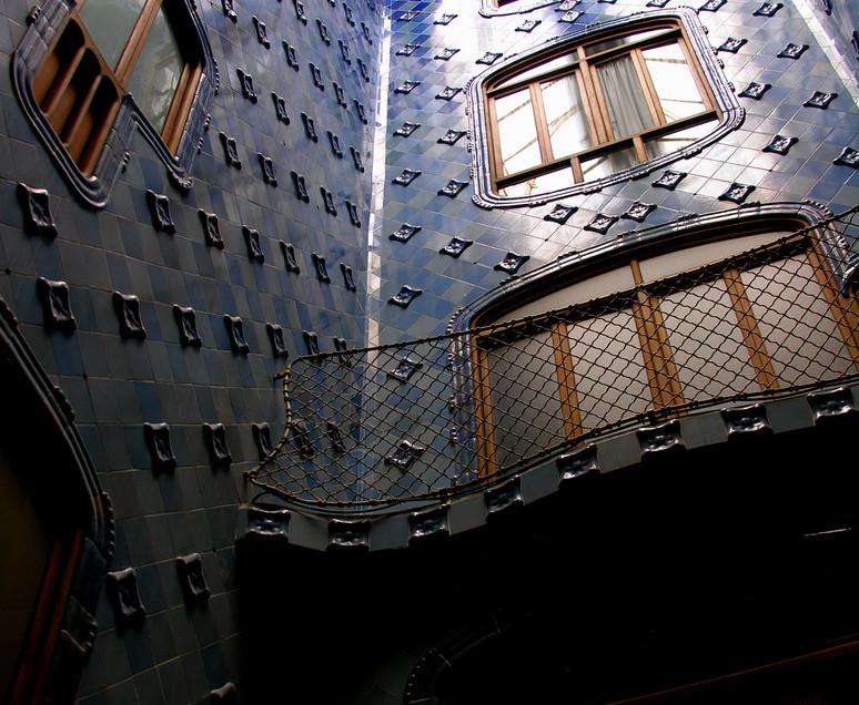 025 Casa Batllo - Gaudi.JPG