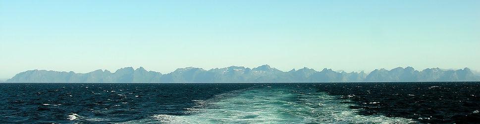 150 Panorama Lofotens.JPG