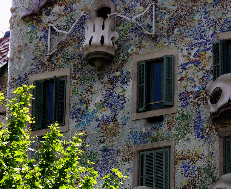 018 Casa Batllo - Gaudi.JPG