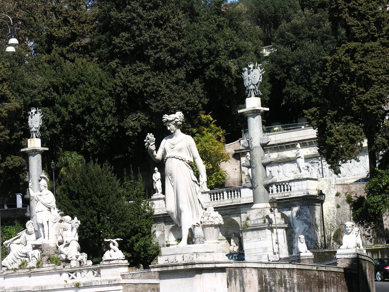 038 Piazza Poppolo.JPG