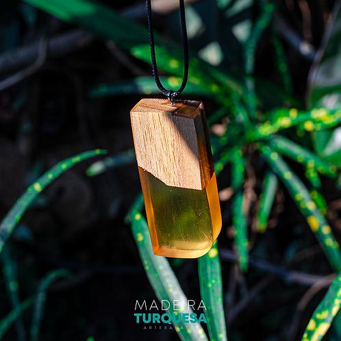 Colar - Amarelo Ambar com Madeira #73
