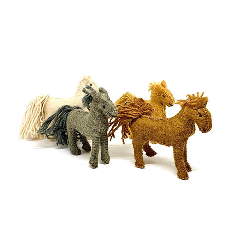 Papoose Barn Horses / Set of 4