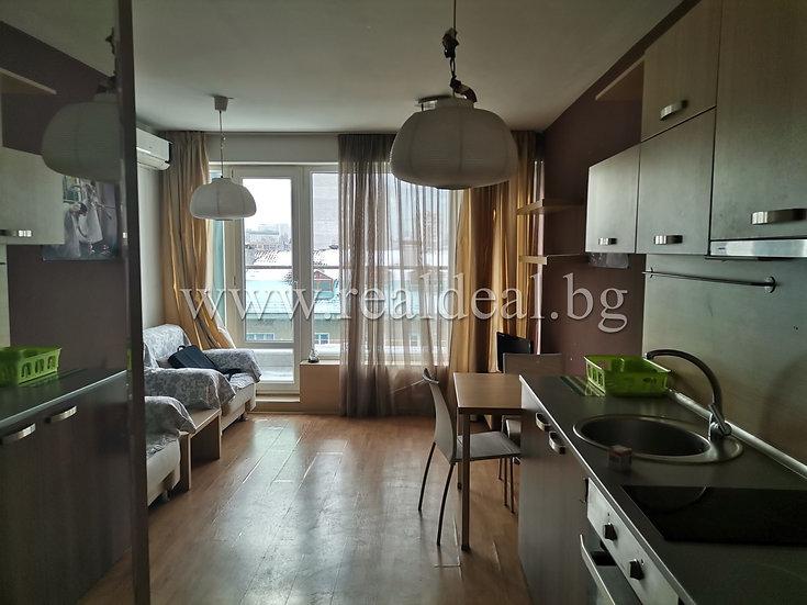 Двустаен апартамент (50м2) под наем в центъра на София - RD-1521