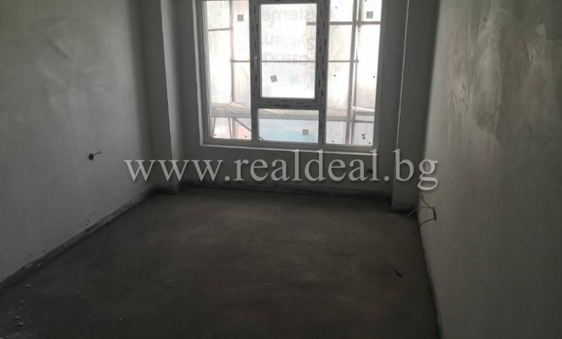 Тристаен апартамент (109м2) за продажба в Банишора