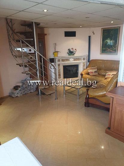 Тристаен апартамент(116м2) под наем в кв.Център - RD-1335