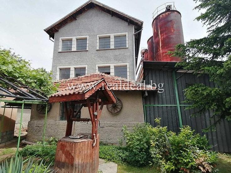 Промишлена сграда за продажба гр. Нови искър 1000m² - RD-1911