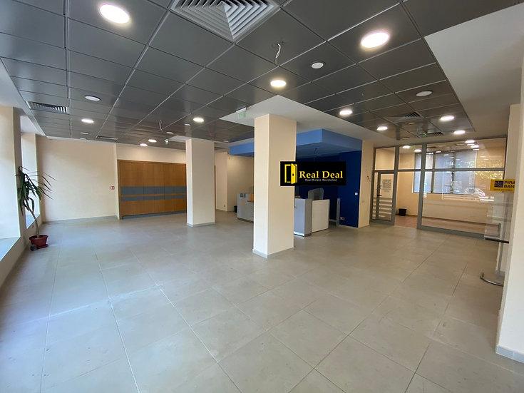 Търговско помещение със статут на магазин и банков офис, тип Open space, 173m2