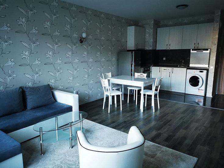 Двустаен луксозно обзаведен апартамент в кв. Младост 4, 70m2