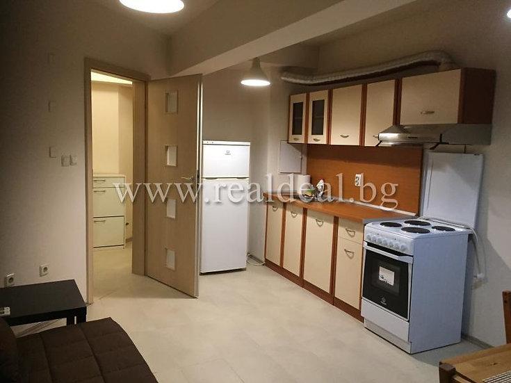 Двустаен апартамент (50м2) под наем в центъра на София - RD-1672