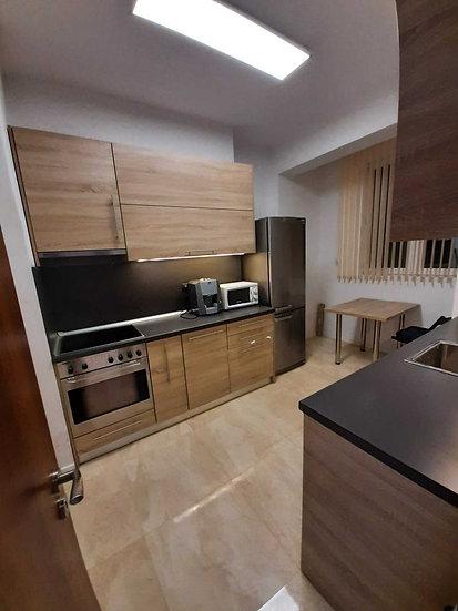 Четиристаен апартамент 110m² под наем в  Център