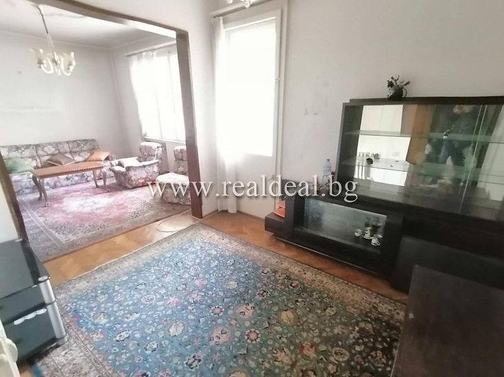 Тристаен апартамент (79м2) за продажба в центъра на София - RD-1867