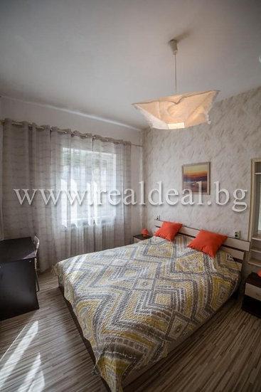 Двустаен апартамент (60м2) под наем в центъра на София - RD-1525