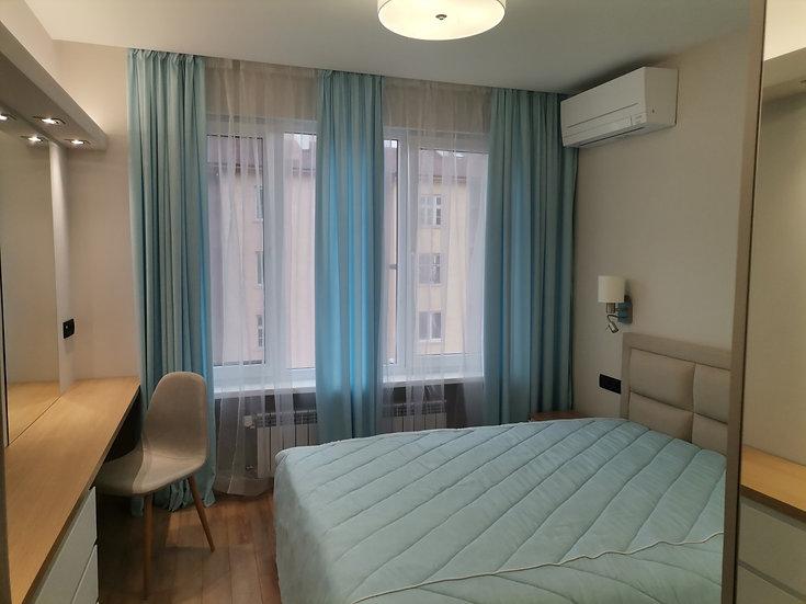 Луксозен тристаен апартамент (100м2) под наем в Център - RD-1397
