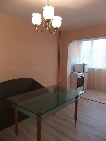 Двустаен апартамент (55м2) под наем в ж.к. Младост 1А
