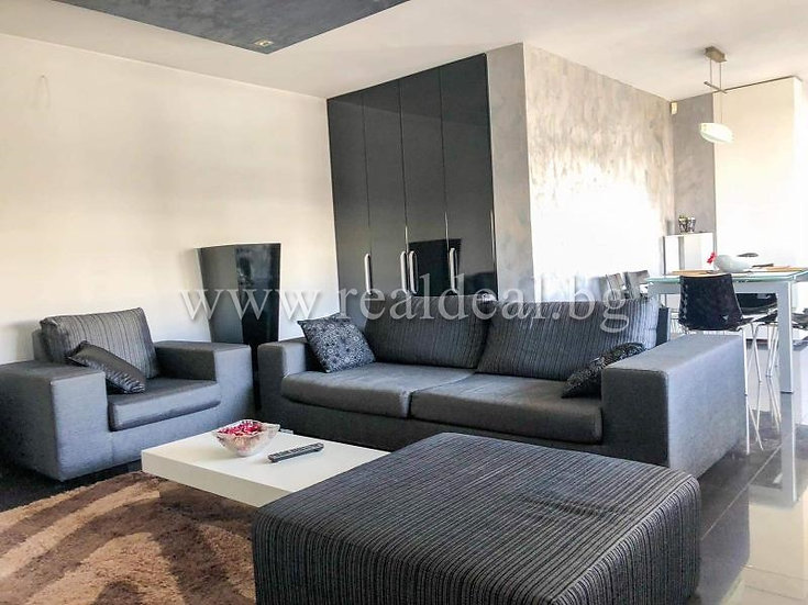 Тристаен апартамент (150м2) за продажба в Красна поляна 3 - RD-1615