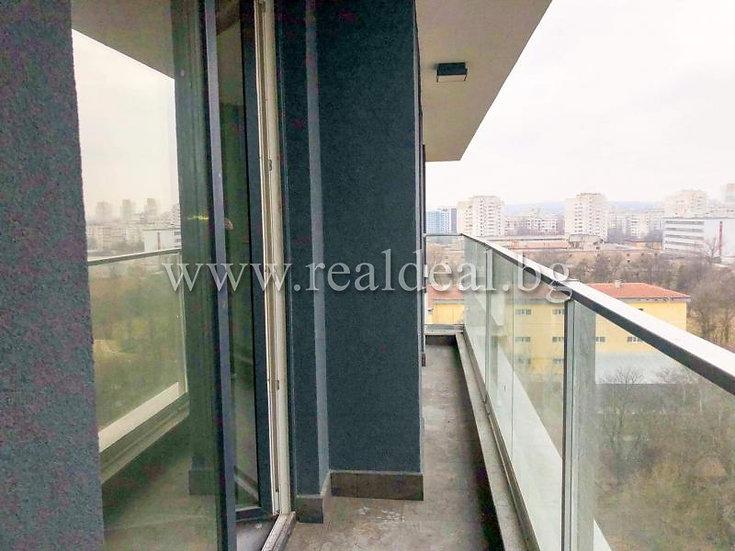 Двустаен апартамент (69м2) за продажба в Банишора - RD-1717