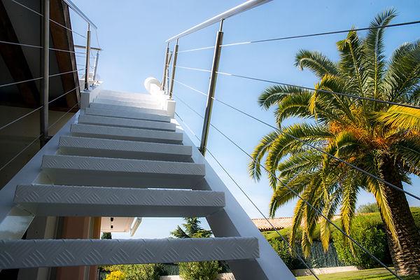escalier a bascule sur mesure par Rodolfe