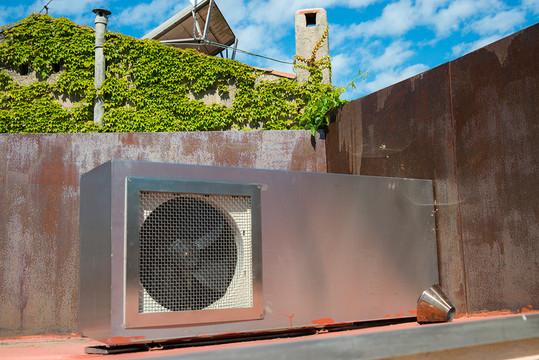 Caisson inox sur mesure pour climatiseur