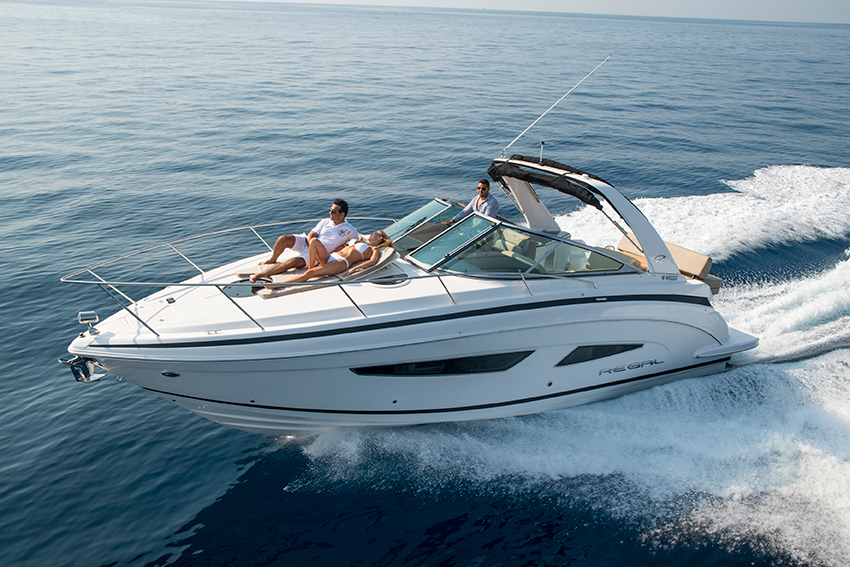 Regal boats 32