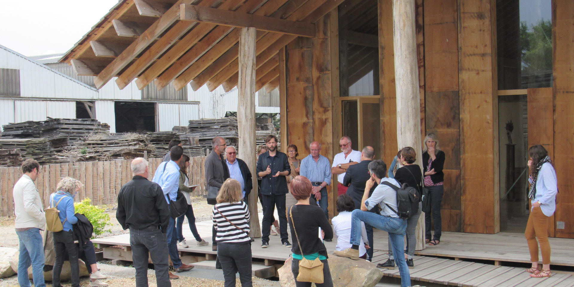 Pavillon d'accueil d'un scierie à Corzé