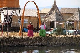 Iles Uros Lac titicaca agence de voyage locale