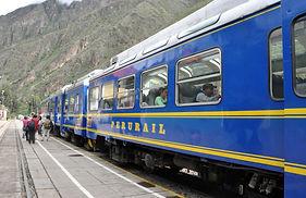 Train d'Ollantaytambo au Machu Picchu