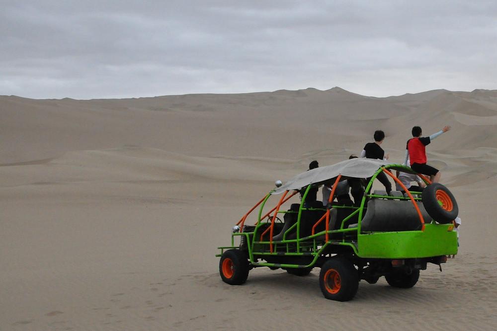 Huacachina … surfer sur les dunes