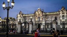 Visiter et à voir Le palais du gouvernement de Lima