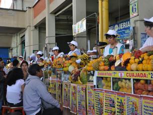 Flânez dans les marchés Péruviens