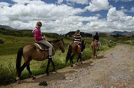 Site archéologiques à chevalbalades et randonnées
