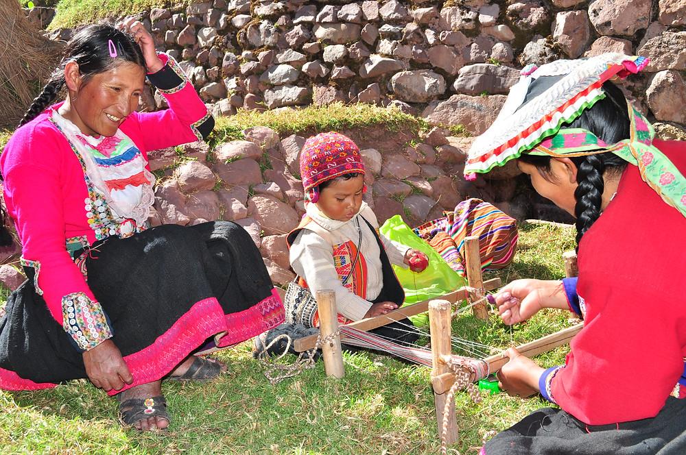 Atelier de tissage à Awana Kancha