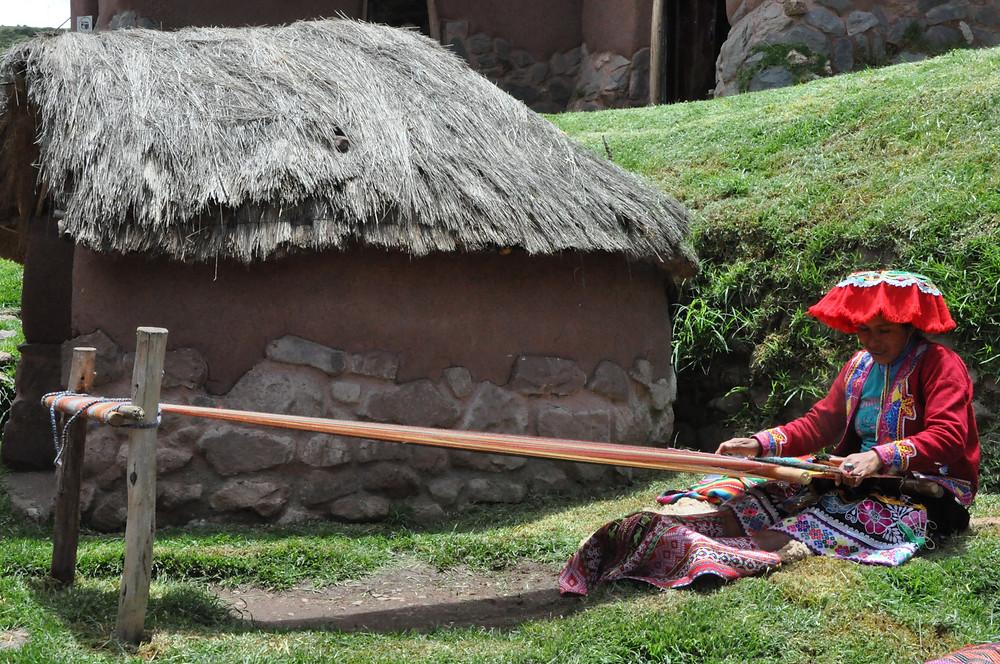 Tissage dans la cooperative de Awanacancha, Pisac, Vallée Sacrée
