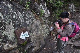 By Mc  Huayna Picchu au Machu Picchu