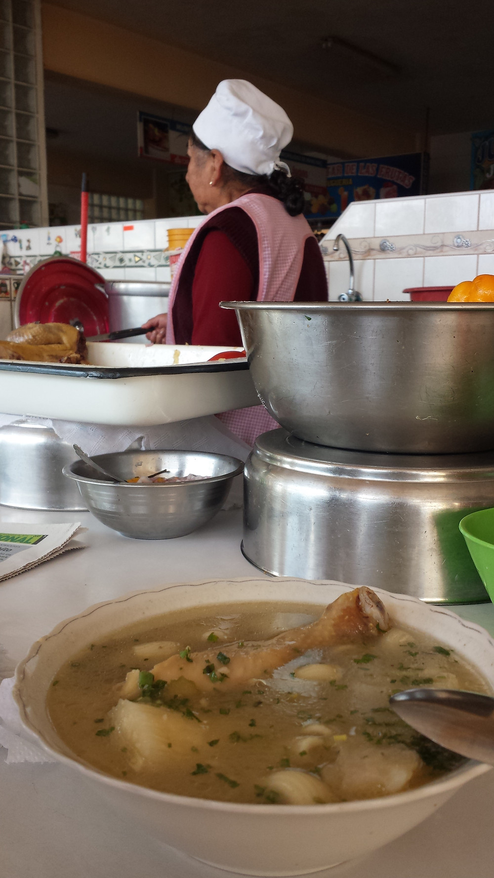 Marché de Wanchaq, Cusco. Soupe de poulet