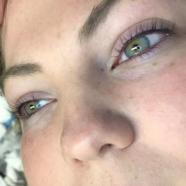 Healed permanent eyeliner, maquillaje pe