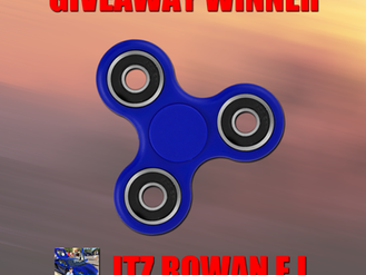 FIDGET SPINNER GIVEAWAY WINNER!