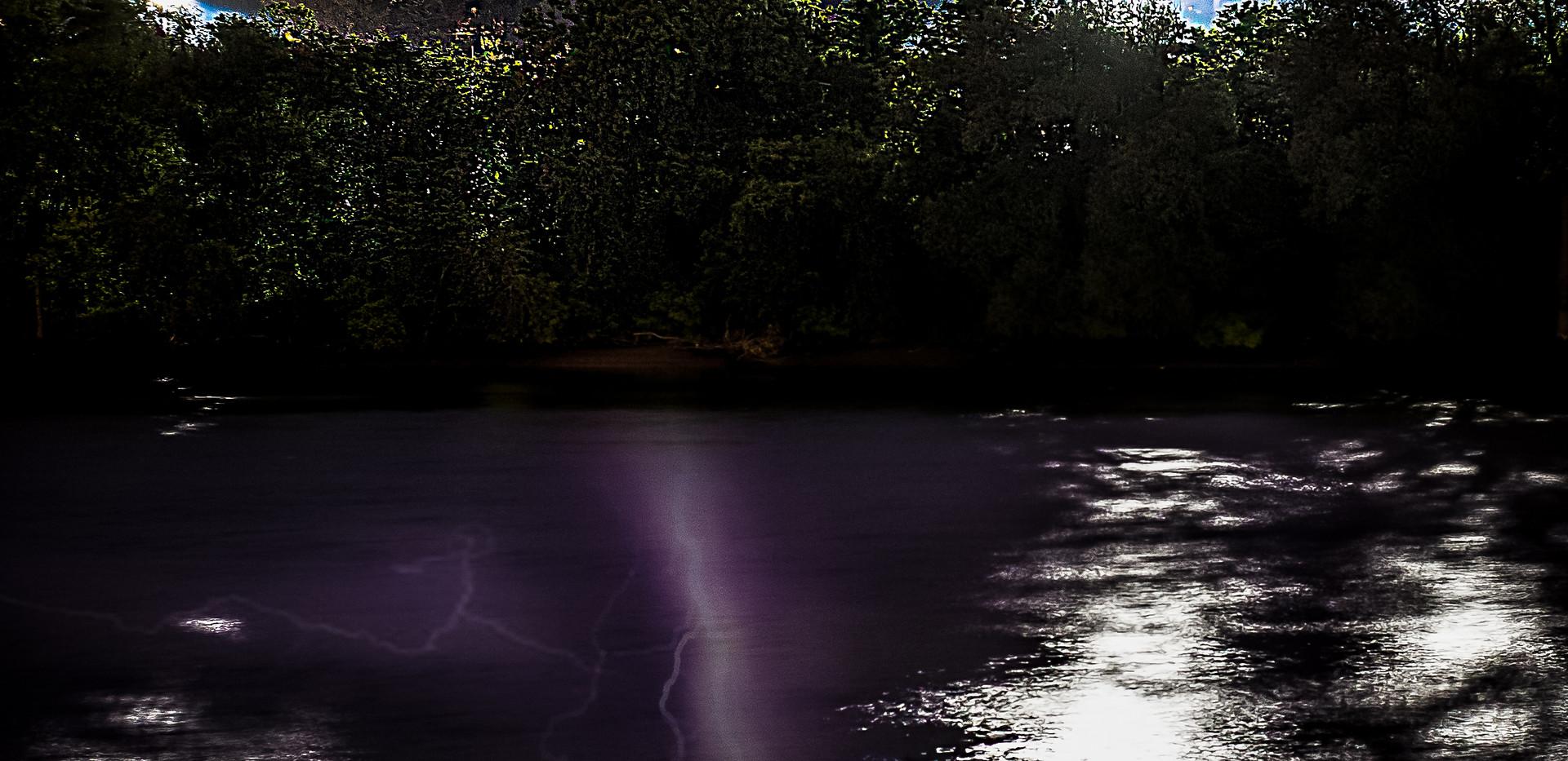 Lightning-over-the-Hudson-sig.jpg