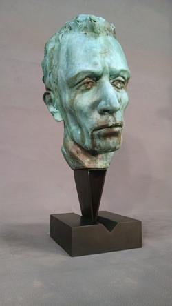 Artist: Eva Wohn. Bronze