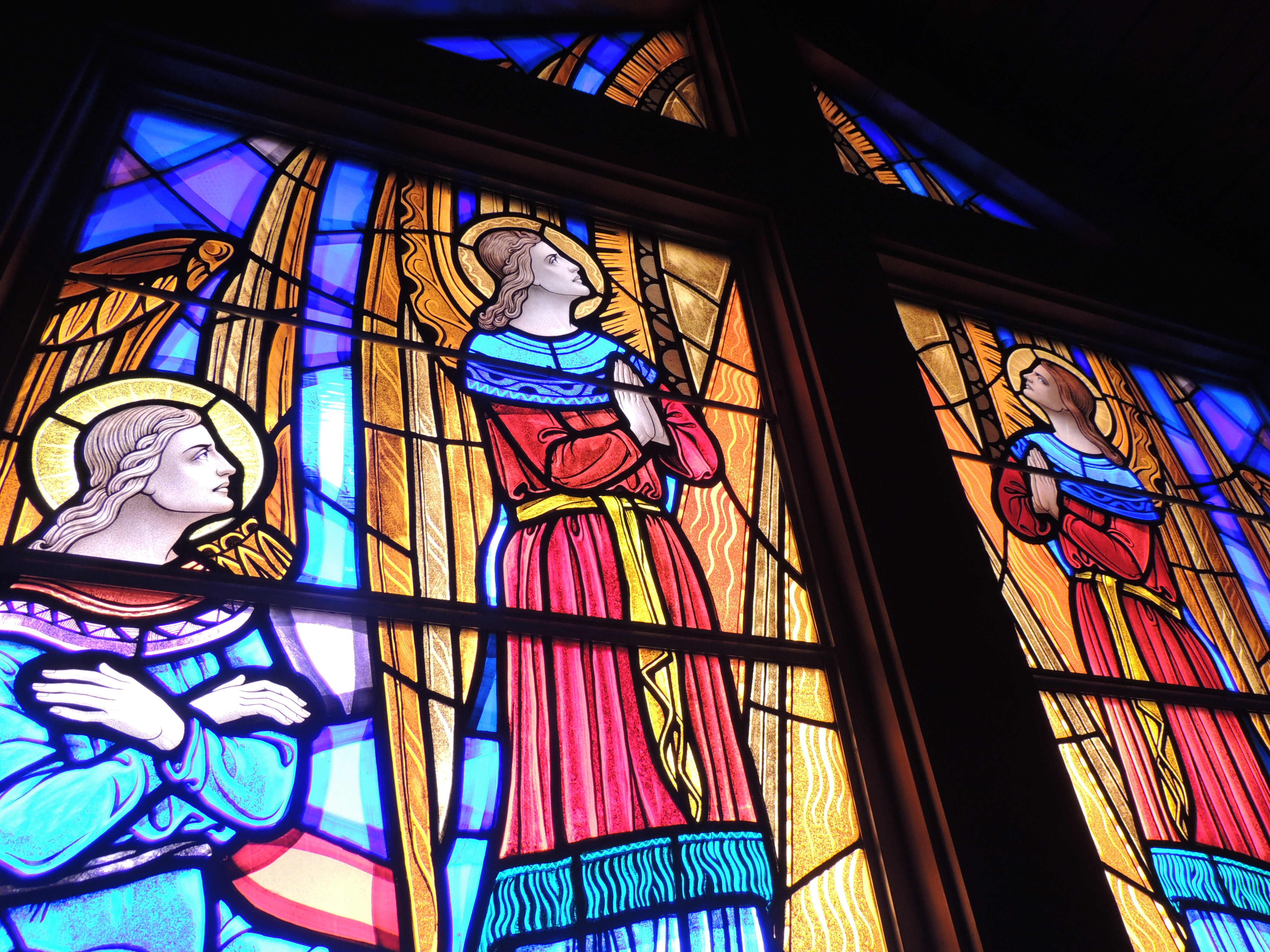 Angels gazing upon Calvary