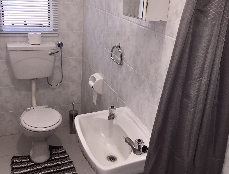 Family_2nd_Bathroom