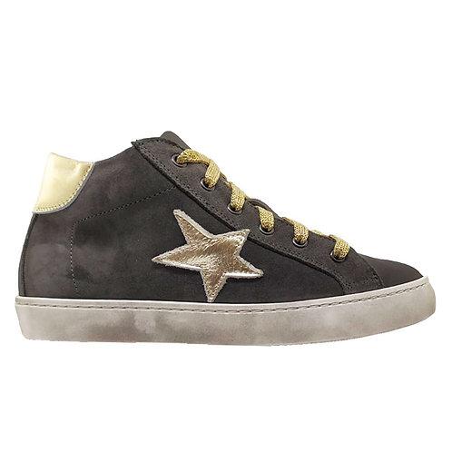 Sneakers in crosta
