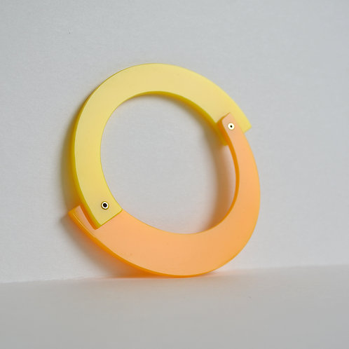 Play Bangle in Two Tone Yellow
