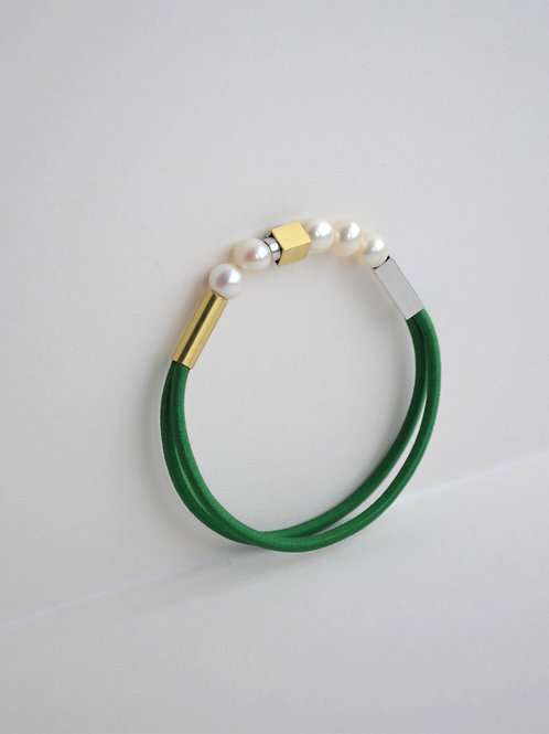 Pearl Bracelet In Bottle Green