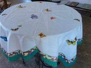 Toalhas de mesa Brancas com motivos aplicados